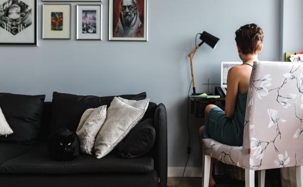 Как жить полноценно, оставаясь дома: сервисы для работы, учебы, лечения и отдыха
