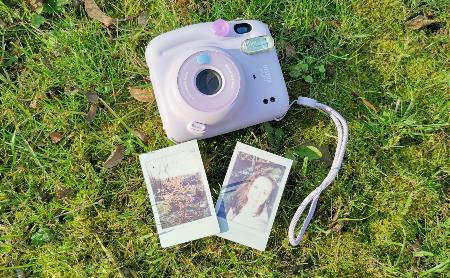 Магия в каждом фото. Обзор культовой камеры Instax mini в новом исполнении