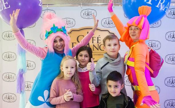 Сладкий уголок Франции в Туле: Cafe de France отметил второй день рождения