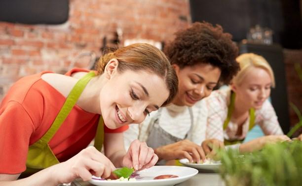 От кулинарных тренингов до школы фитнеса: подборка интересных курсов для взрослых в Туле