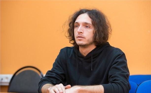 Юрий Каплан, солист группы «Валентин Стрыкало»: Серьёзным людям на наших концертах делать нечего