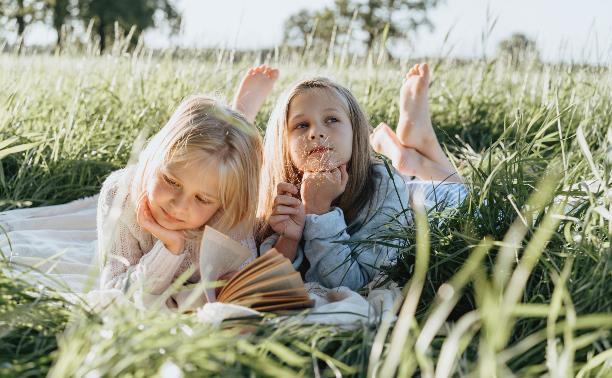 Проводим лето активно и полезно: обзор интересных детских лагерей от Myslo