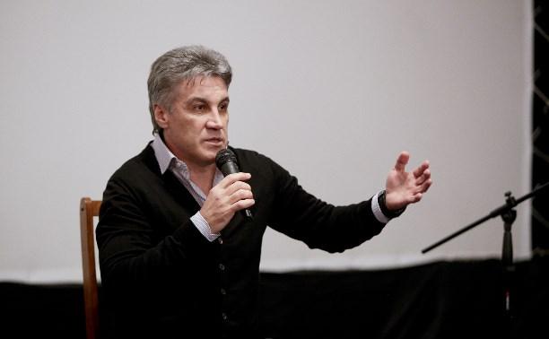 Алексей Пиманов о премьере фильма «Крым»: Вцепитесь в любимых, к черту политику!