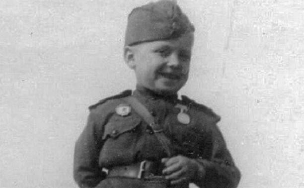 Солдатик: История туляка Сережи Алешкова, самого маленького героя войны