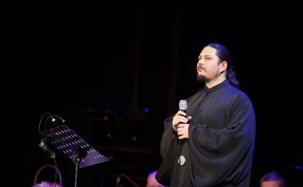Иеромонах Фотий: Даже громкая музыка не помешает молитве