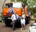 Тульские свадьбы-2015: Вместо лимузина - КамАЗ, вместо застолья - квест для гостей