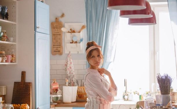 Подкаминская, Безрук, Панкратов-Черный: о новом сериале, любви и тортиках