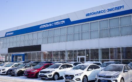Машин мало, цены растут: эксперт рассказал о ситуации на рынке автомобилей с пробегом