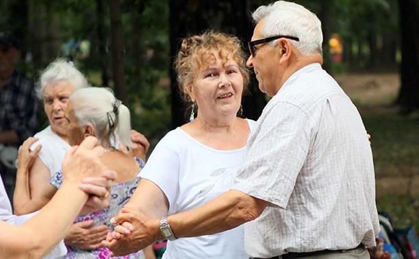 Кто танцует в парке по выходным