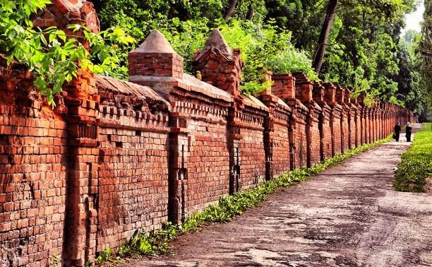 Какие тайны хранит тульская кладбищенская стена