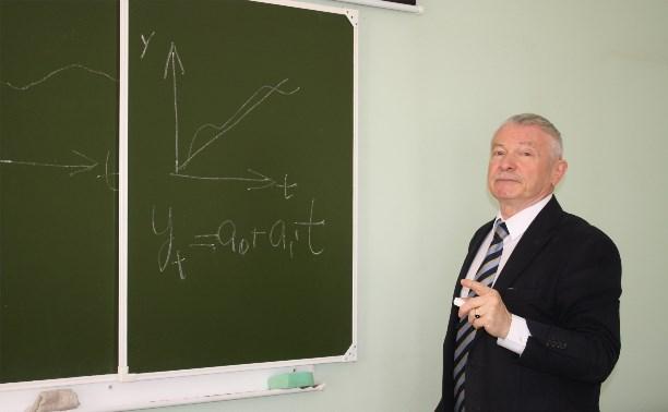 Профессор Михаил Мелихов: Встречают не по диплому, а по знаниям в голове