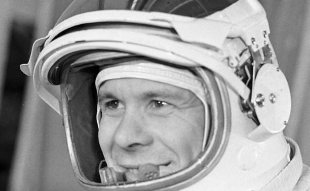 Первый космонавт из Тулы Евгений Хрунов: Час в открытом космосе