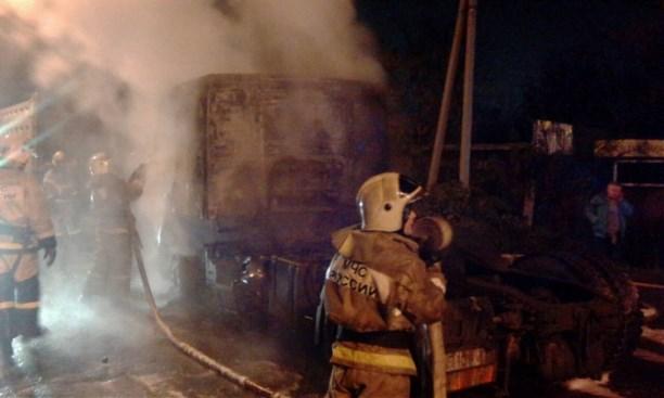 Наулице Овражной ночью сгорел фургон «Вольво»