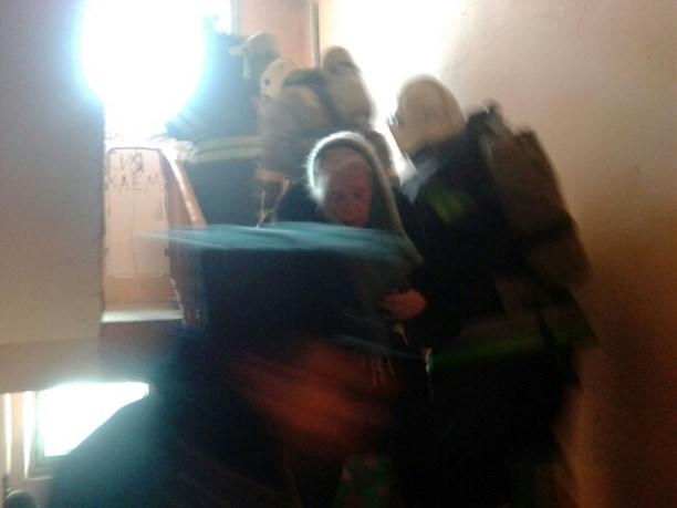 Втульском Мясново впожаре cотрудники экстренных служб эвакуировали 8 человек
