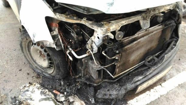 Вседорожный автомобиль сгорел ночью наулице Санаторной вТуле