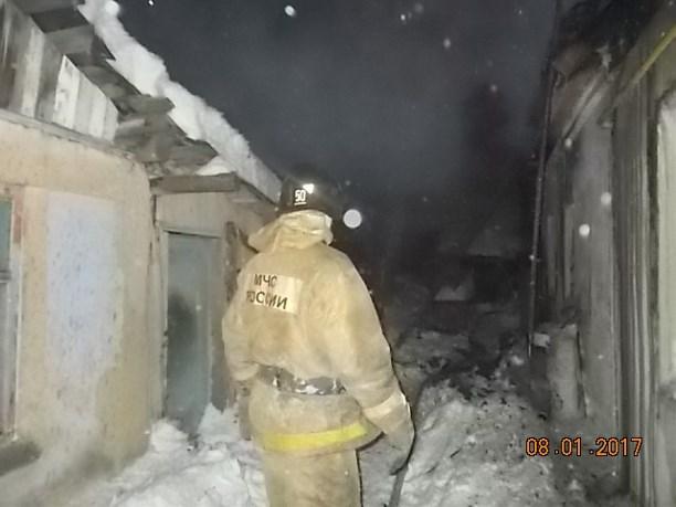 Под Киреевском дотла выгорел дом: впламени пострадал человек