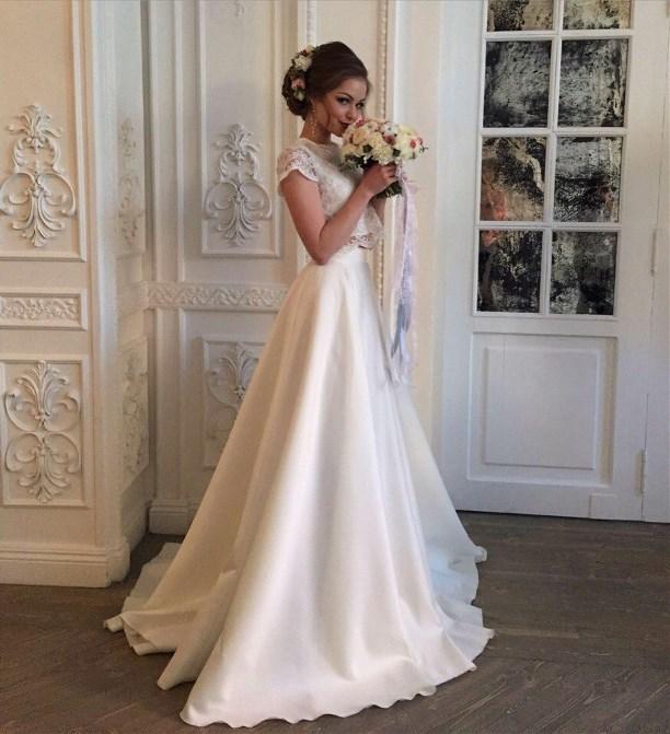 a95648a233c852a В «Золотом песке» вы также найдете свадебные костюмчики разных фасонов.