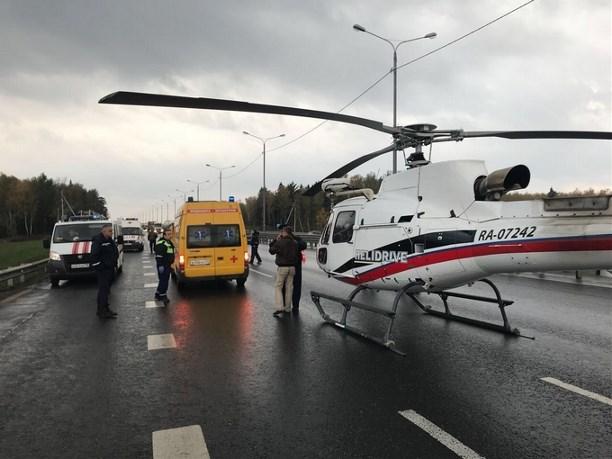 Туляков, пострадавших встрашном ДТП наМ-2, доставляли в поликлинику вертолетами