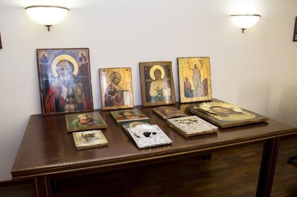 Милиция возвратила тульской епархии похищенные ксередине зимы ценные иконы