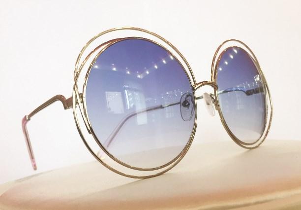 Если вы нуждаетесь в корректирующих солнцезащитных очках, в оптике «Лорнет»  для вас изготовят красивые солнцезащитные очки с диоптриями. 5252bd4112b