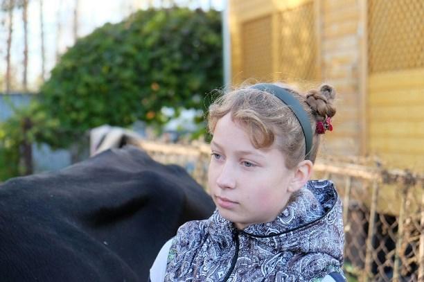 Необыкновенный подарок от руководства: семье изТульской области привезли корову Вербу
