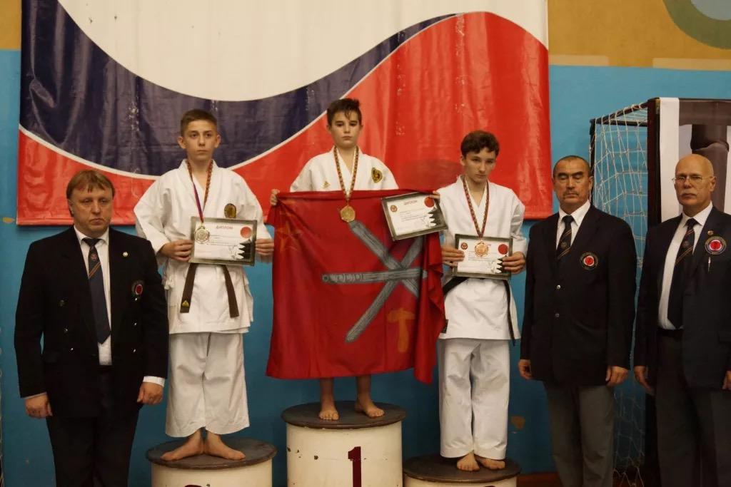 Волочане завоевали 15 наград наВсероссийском турнире покаратэ
