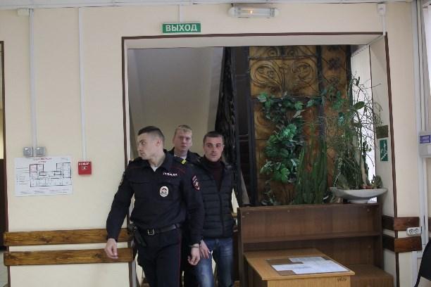 Братья изТулы, обвиняемые вубийствах играбежах, предстанут перед судом