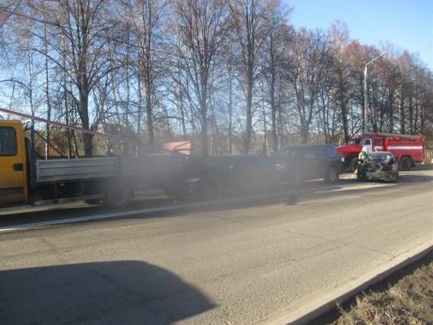 ВТуле шофёр «Шевроле» протаранил «Лексус», «БМВ» и грузовой автомобиль