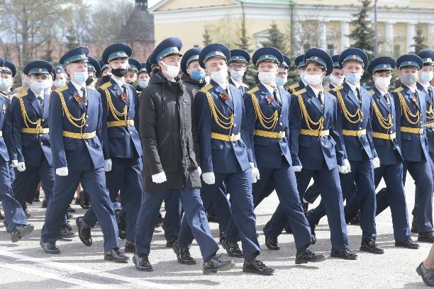 Арктический «Панцирь» и легендарная «Катюша»: на площади Ленина прошла репетиция парада Победы