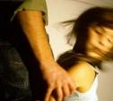 В Ленинском районе мужчина избил, ограбил и изнасиловал маленькую девочку