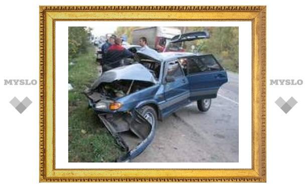 В аварии под Тулой погибли два человека