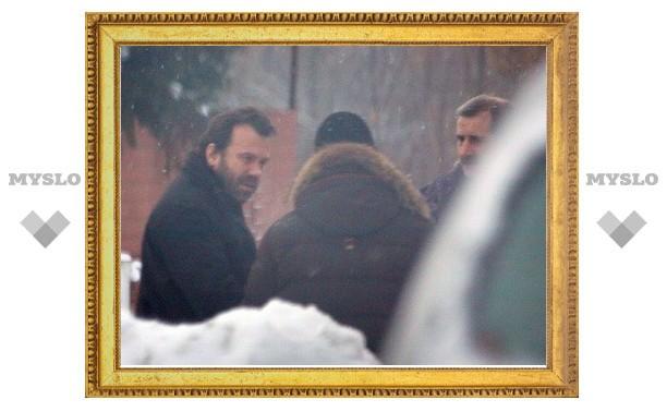 Отсидевший 15 суток депутат Михаил Казаков вернулся домой
