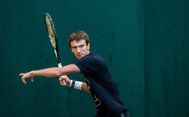 Андрей Кузнецов успешно стартовал на теннисном турнире во Франции