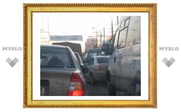 В Туле троллейбус стал причиной пробки