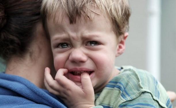 Мать трпхнула своего молодого сына