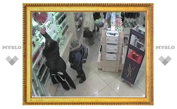 В Туле магазинная воровка ходила «на дело» с ребенком