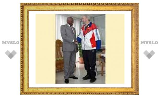 Кубинцам показали стоящего Фиделя Кастро