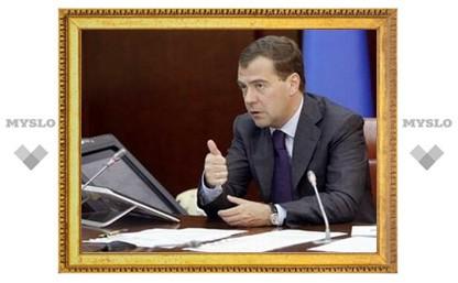 Медведев ускорит процедуру назначения губернаторов