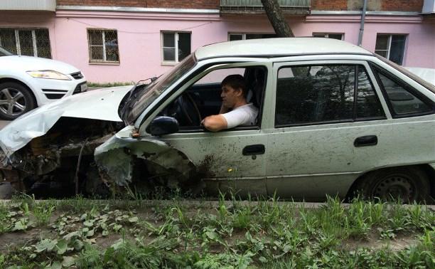 На ул. Шухова водитель «Дэу» вылетел на встречку и врезался в «Шевроле»