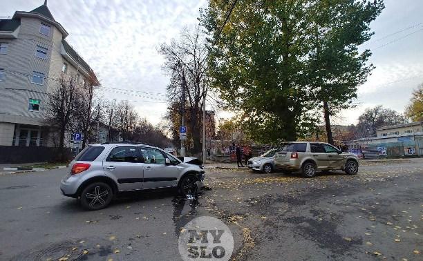 В ДТП на ул. Тургеневской в Туле пострадал один человек