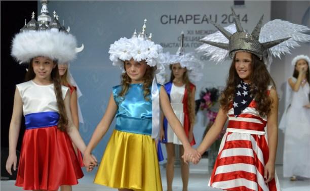Юная тулячка шокировала москвичей своим перфомансом на детском показе мод