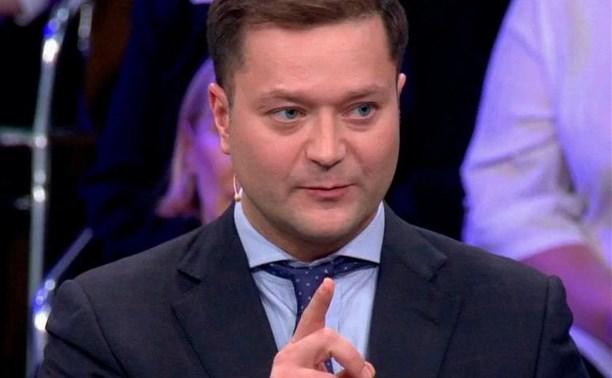 Под Тулой в поезде скоропостижно скончался 41-летний политик Никита Исаев