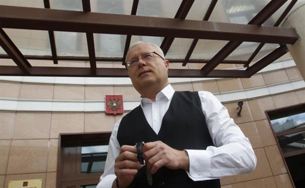 Миллиардер Лебедев по пути в Тульскую область общается с туляками