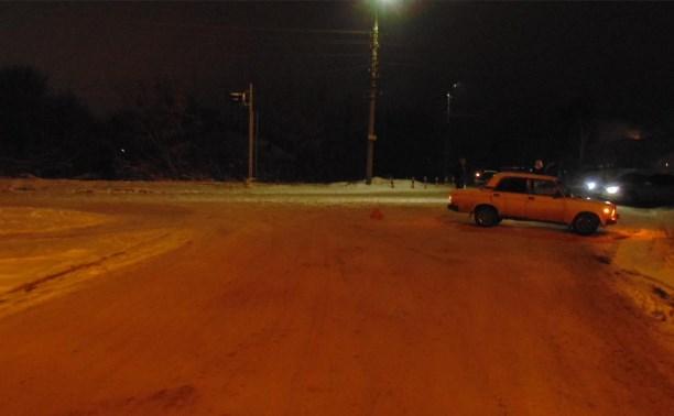 В Узловой водитель ВАЗ-21070 сбил перебегавшую дорогу 18-летнюю девушку