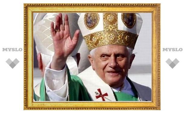 Бенедикт XVI позвал деятелей искусства в Сикстинскую капеллу