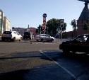 За неделю на Крестовоздвиженской площади автомобилисты дважды сносили новые дорожные знаки