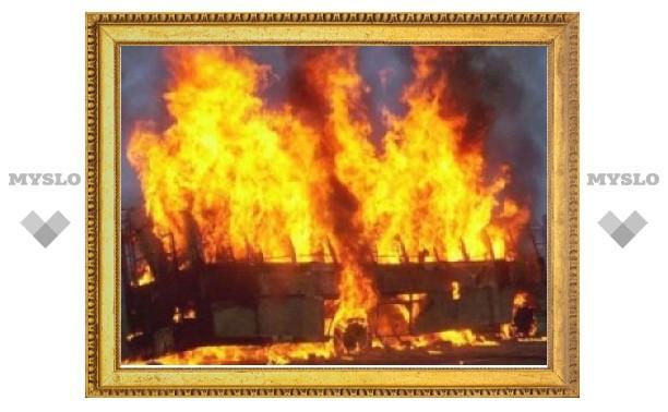 В Тульской области сгорел пассажирский автобус