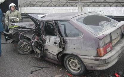 На Московском шоссе в Туле столкнулись три автомобиля
