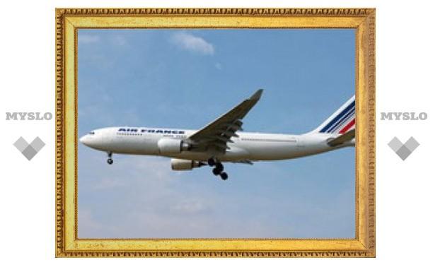 Найдены обломки пропавшего над Атлантикой самолета
