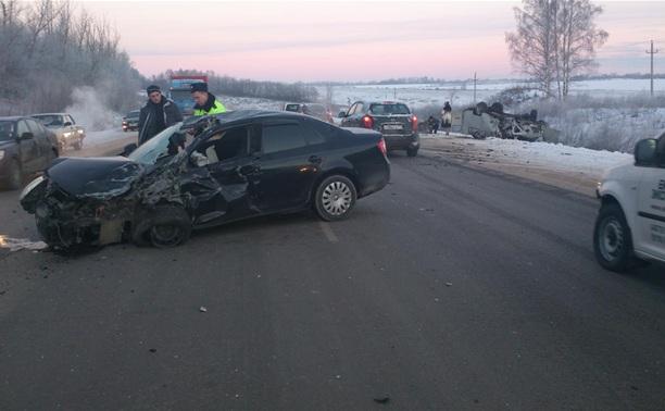 Под Тулой уснувшая за рулем автоледи въехала в УАЗ